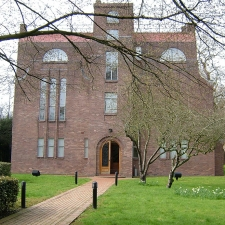 Dorich House weekend open day with free children's drop-in art activity