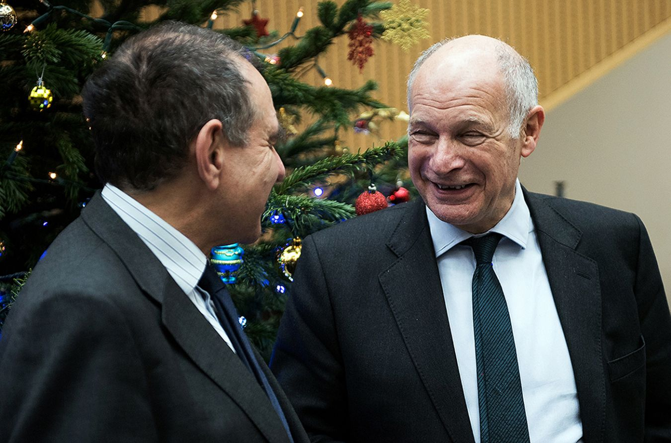 Picture of Lord Neuberger, president of the UK Supreme Court and Vice-Chancellor Professor Julius Weinberg
