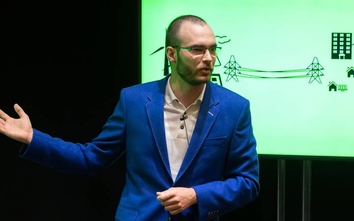 Combating climate change: Kingston University PhD student's renewable energy research wins plaudits in Three Minute Thesis competition
