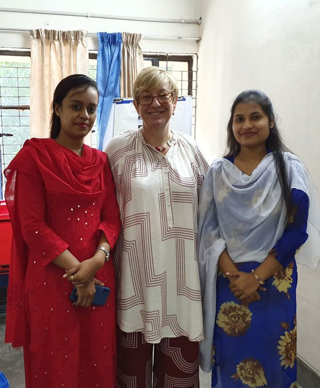 Dr Lesley Kay (centre) with Bangladesh midwifery students Khadiza Aktep (left) and Runiza Khatun (right).