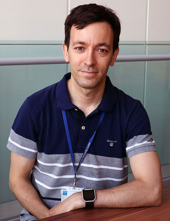 Picture of Dr Pedro Barra.