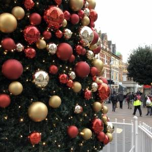 Kingston University expert explores whether Covid-19 pandemic can be catalyst to develop more sustainable approach to festive period