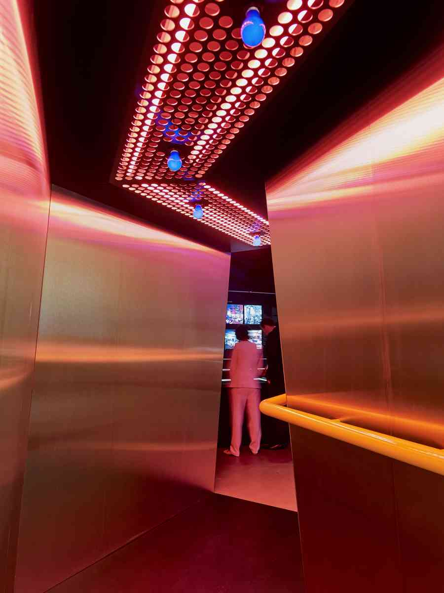 The entrance to Night Fever at Vitra Design Museum, inspired by Superstudio's Mach 2 nightclub, Florence, 1967. Exhibition design by Konstantin Grcic. - Photo Mark Niedermann, 2018.