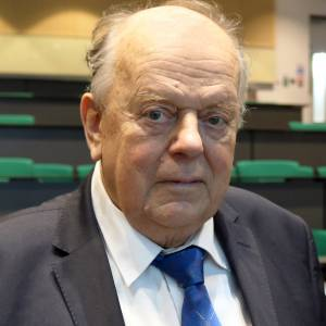 First head of state of independent Belarus recalls historic meeting that dissolved Soviet Union during Kingston University lecture