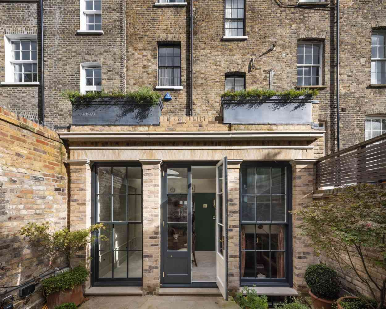 Georgian Townhouse, 2020 - Extension and refurbishment project for a listed building in London by Timothy Smith & Jonathan Taylor Architects. Photo © Anthony Coleman.