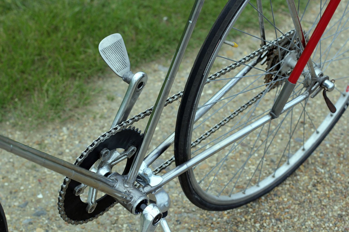 The bike\'s pedals are made from the golf club heads