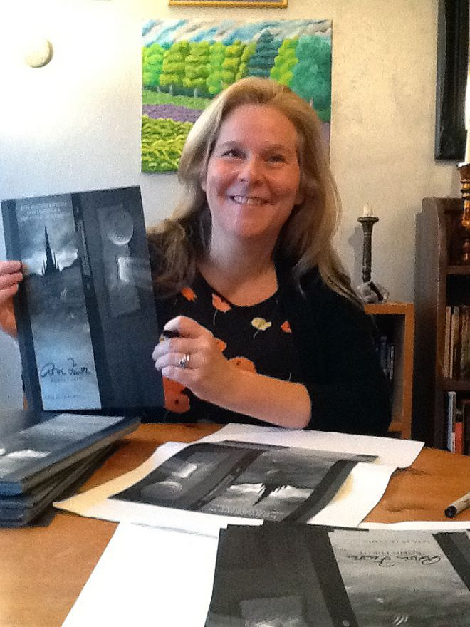 Robin Furth with a copy of her book Stephen King\'s The Dark Tower: The Complete Concordance.
