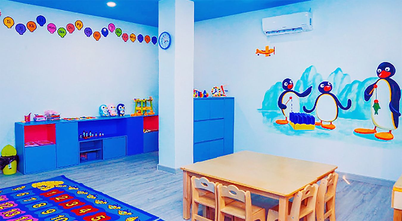 A picture of a Pingu classroom.