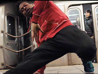Subway dancing is illegal in New York and Police Commissioner Bill Bratton is currently clamping down on this activity..