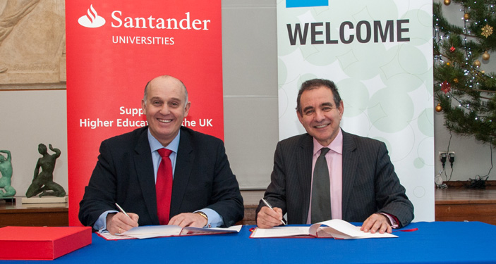 Luis Juste, director Santander Universities UK and vice-chancellor Julius Weinberg