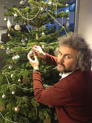 Dr Gordon Hunter has created a Christmas decision tree to help confused shoppers choose the perfect festive foliage for their homes.